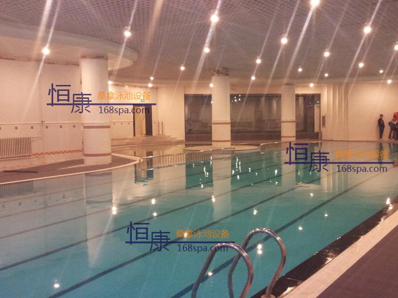 英特健身会所游泳池